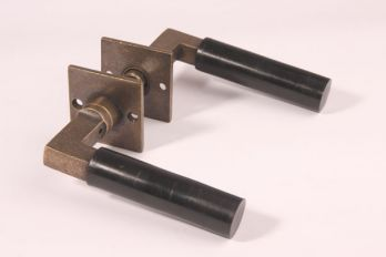 Deurklink (paar) Bauhaus 120mm brons antiek/bakeliet