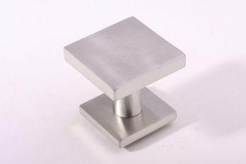 Deurknop geborsteld RVS vierkant 64mm