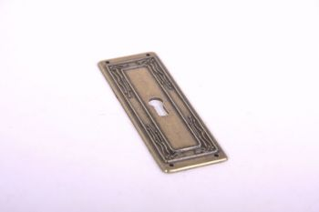 Sleutelplaat langs voor deurtjes brons antiek 33mm (zamac)