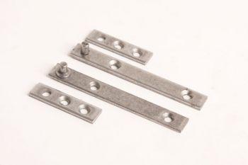 Setje speunen voor 1 deurtje 80mm blank ijzer zowel links als rechts te gebruiken