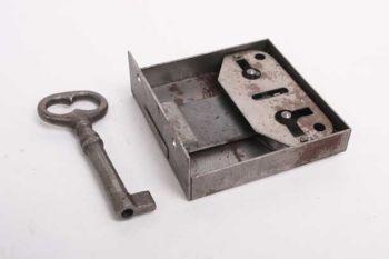 Opdekslot blank ijzer links en rechts 60/70/80/90/100 mm met sleutel