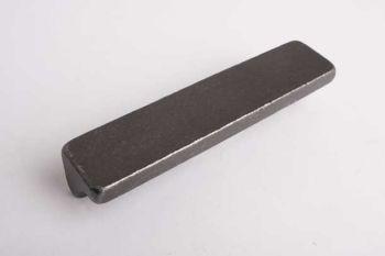 Greep rechthoekig gietijzer massief 96mm tinkleur of roest.
