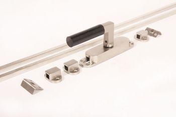 Krukespagnolet Bauhaus 110mm geborsteld nikkel/bakeliet +stangen