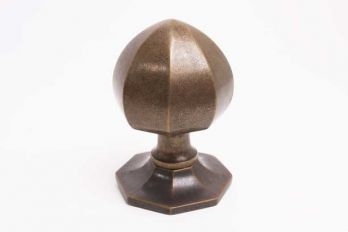Voordeurknop brons antiek achthoekig met punt gemaakt van massief messing