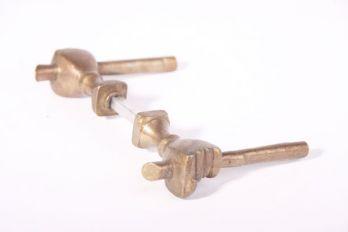 Deurklinken (paar) handje brons antiek