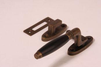 Raamsluiting Rechts ton-model brons antiek ebbenhout