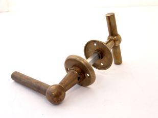 Deurklinken (paar TL) brons antiek 'Chemin de Fer' met rozetten
