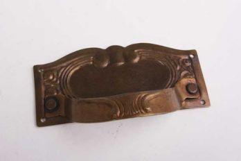 Ladegreep dun messing brons antiek met sleutelgat 87mm