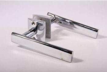 Deurkruk (paar) ovaal nikkel met rozetten 140mm
