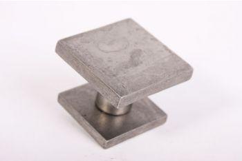 Voordeurknop vierkant zilver antiek 65mm